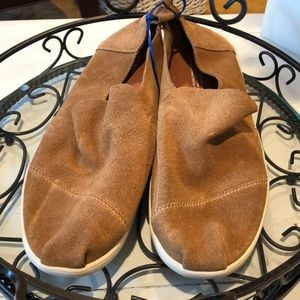 NWOT TOMS SHOES, SUEDE MATERIAL